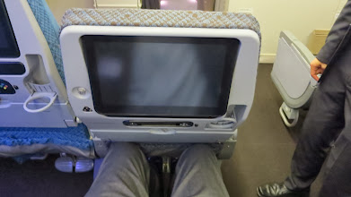 Photo: My knees with seat in front in full recline on Singapore Air's new B777-300ER
