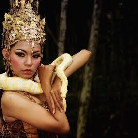 Snake Queen  by Yanuar Nurdiyanto - People Fine Art ( snake, model, fashion, indonesia, action, nikon, photography, gary fong, self portrait, selfie )