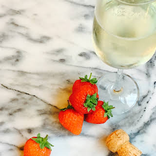 Strawberry and Prosecco Ice Lollies.