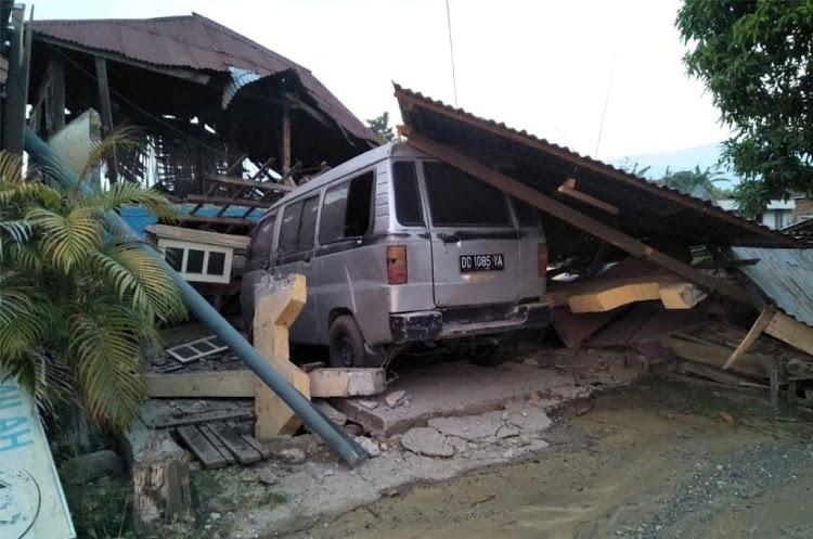 Hundreds killed in Indonesian earthquake, tsunami