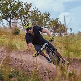 Down the hill by Michaela Firešová - Sports & Fitness Cycling ( race, downhill, mbt )