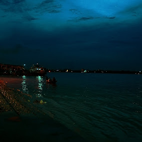 Sunset from Bagbazar ghat by Sonali Majumder - Landscapes Sunsets & Sunrises