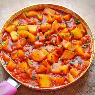 Potatoes in Tomato Sauce
