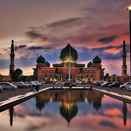 Annnur Great Mosque  by Suryadi Sulthan - Buildings & Architecture Places of Worship ( muslim, an nur, reflection, islam, masjid, indonesia, shadow, mosque, pekanbaru )