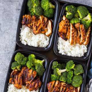 20 Minute Meal-Prep Chicken, Rice, and Broccoli.