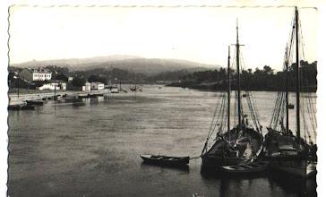 Photo: Barcos traendo barro da Ila da Arousa ou levando ladrillos