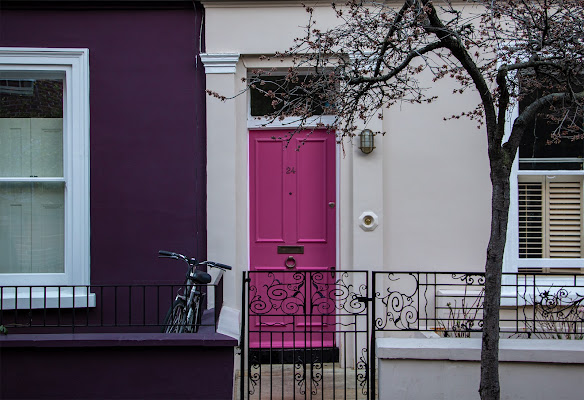 Purple in Notting Hill di Giovanni Coste