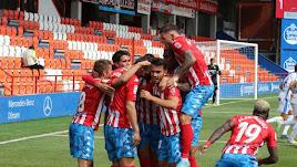 Los jugadores gallegos celebrando el gol de la victoria.