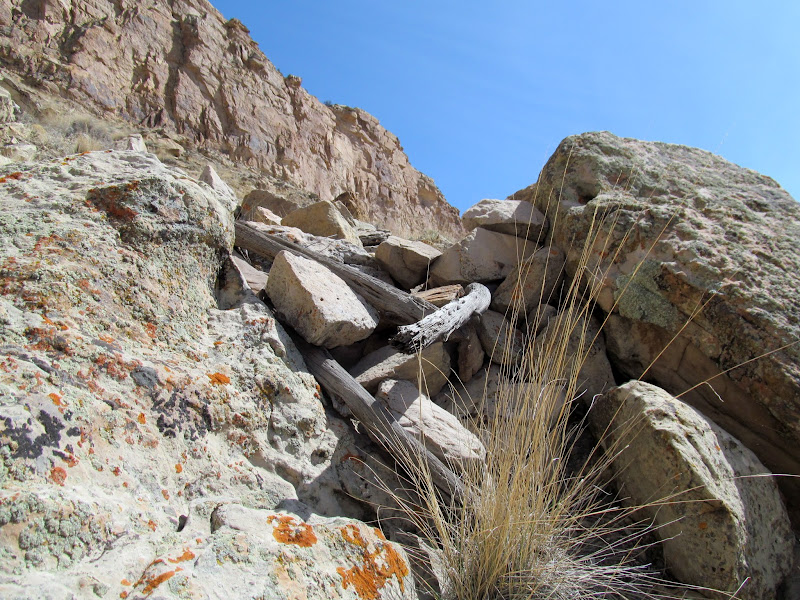 Photo: Rock wall below the notch