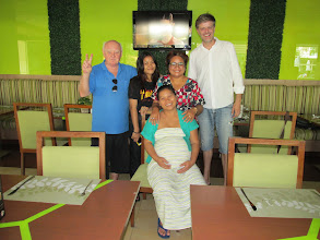 Photo: Pattaya; Dinner with Lloyd and hugely-expectant wife, Suzy (baby boy a week later !!)