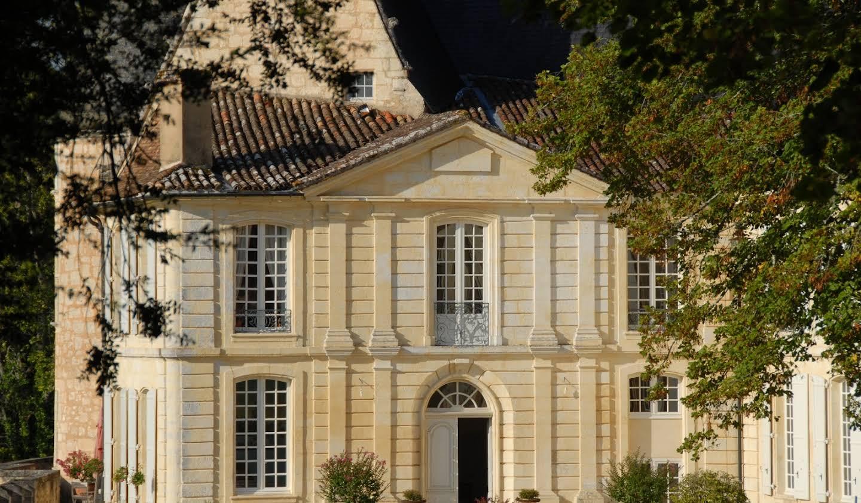 Château avec personnel & services Lamonzie-Montastruc