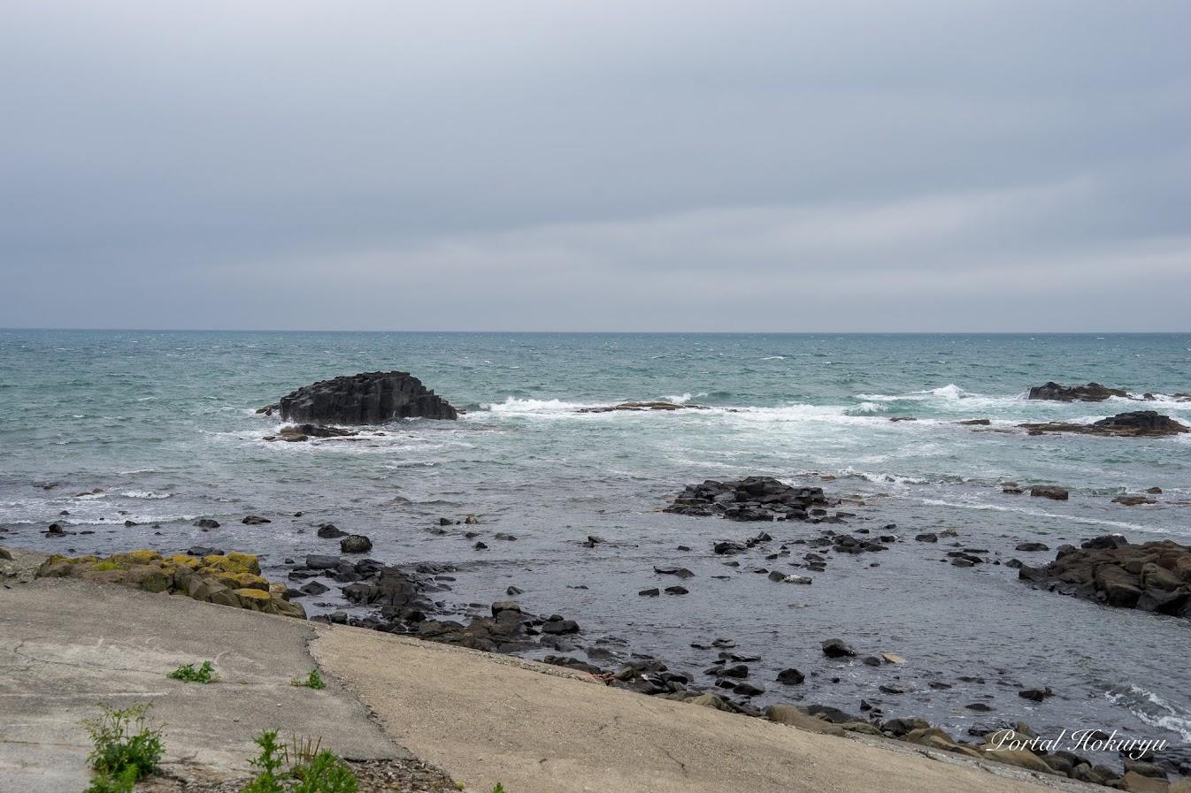 黄金岬(留萌市)から日本海を眺めて