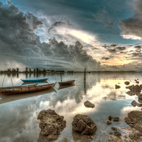 Waiting by Arief Wardhana - Transportation Boats