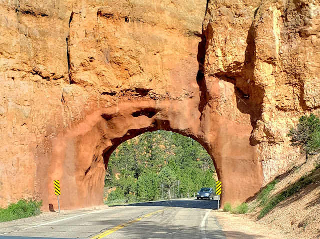 Tunnel in Red Canyon