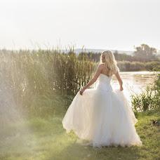 Wedding photographer Eszter Semsei (EszterSemsei). Photo of 04.10.2016