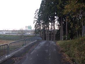 名神高速の近くから登山開始(右手)