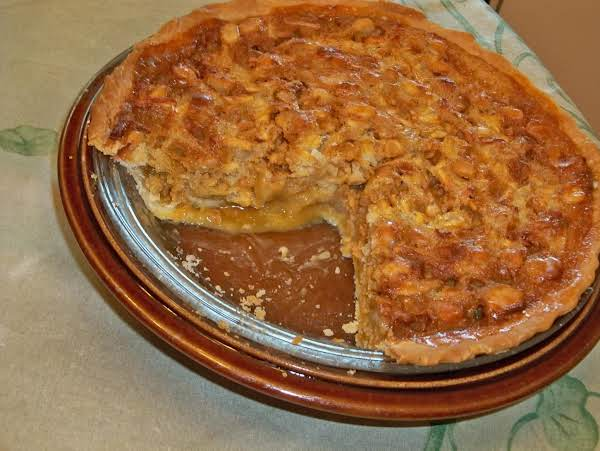 Butterscotch Apple Macadamia Nut Pie Recipe