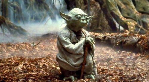 Yoda meditando