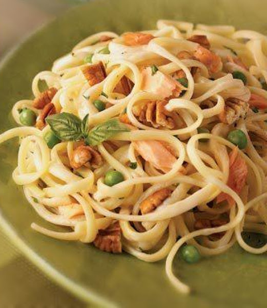Easy Fettuccine With Smoked Salmon, Peas And Toast Recipe