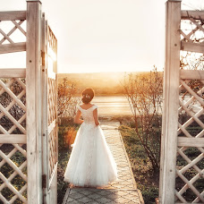 Wedding photographer Alena Polozhenceva (nimta). Photo of 02.04.2018