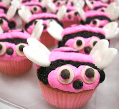 Photo: Valentine Day cupcakes