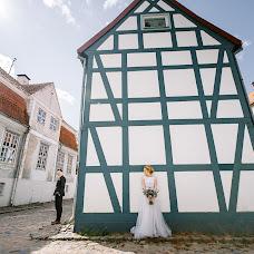 Wedding photographer Pavel Nenartovich (nenik83). Photo of 23.03.2018