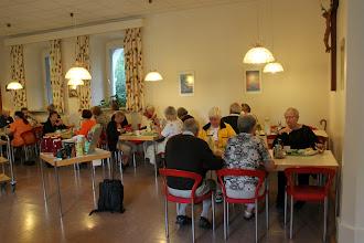 Photo: Morgenmaden indtages på kloster Tiefenthal