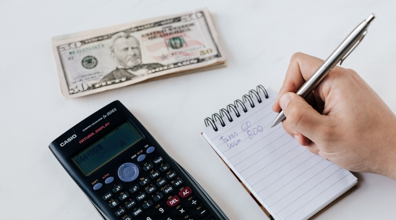 calculating emergency fund to save money