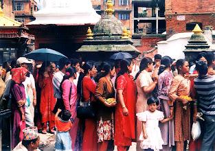 Photo: Patan - festiwal w świątyni Kumbeshwar / The festival in Kumbeshwar temple