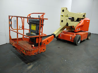 Picture of a JLG E400AN