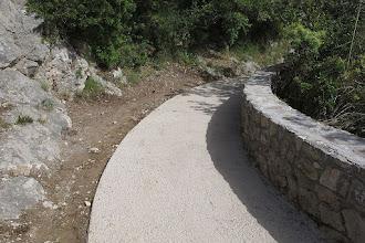 Photo: Brutta striscia di cemento, attendo di conoscerne le ragioni (che certamente ci saranno)