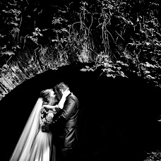 Wedding photographer Paul Budusan (paulbudusan). Photo of 04.10.2018