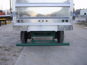 Photo: Rear Underride Bumper