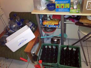 Photo: Na zdjęciu poza elementami warsztatu widać fragmencik nowej kapslownicy. Udana inwestycja. O godz. 15:30 rozpoczęło się gotowanie wody. O godz. 15:45 poszły słody - pilzneński - 3,7 kg oraz przeniczny 0,4kg.