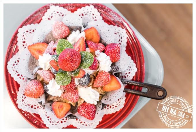 W Kitchen草莓鬆餅