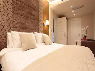 Hotel Queen