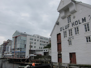 Photo: New and old at the harbor