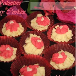 Valentine Daisy Cookies.