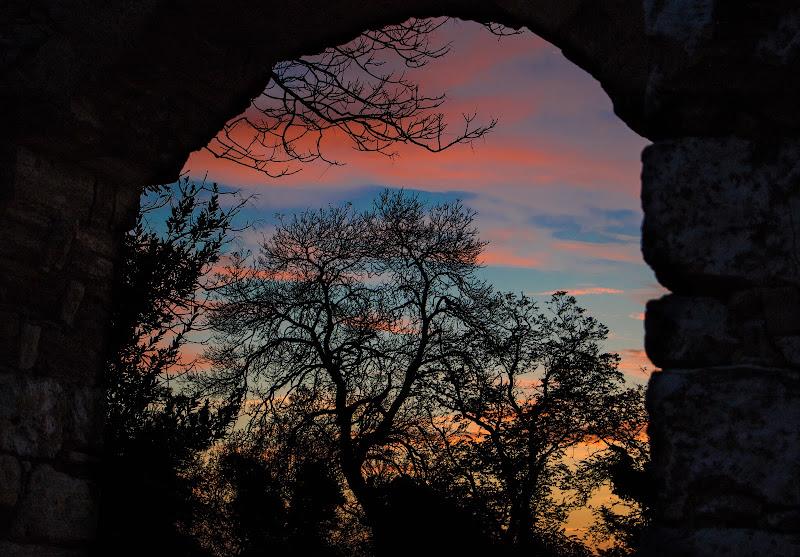 Attraverso l'arco di Giovanni Coste