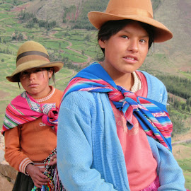 by Alessandro Pinto - Uncategorized All Uncategorized ( dress, traditional, hat, clothing, peru, portrait, people, clothes )