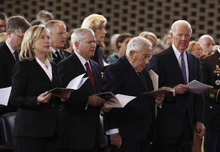 Photo: (From L to R) U.S. Secretary of State Hillary Clinton, U.S. Secretary of Defense Robert Gates, former Secretaries of State Henry Kissinger and James A Baker III, attend a memorial service for former U.S. Secretary of State Lawrence Eagleburger at Fort Myer in Arlington, Virginia, June 21, 2011. Eagleburger, who served under former U.S. President George H.W. Bush in the early 1990s, died on June 4, 2011 at the age of 80, a spokeswoman for his family said .  REUTERS/Kevin Lamarque (UNITED STATES - Tags: POLITICS OBITUARY)