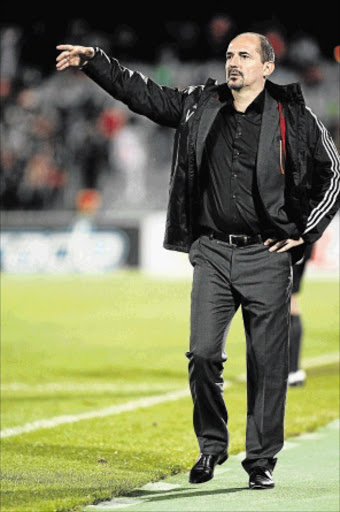 HAPPIER:                Orlando Pirates coach Vladimir Vermezovic         PHOTO: Veli  Nhlapo
