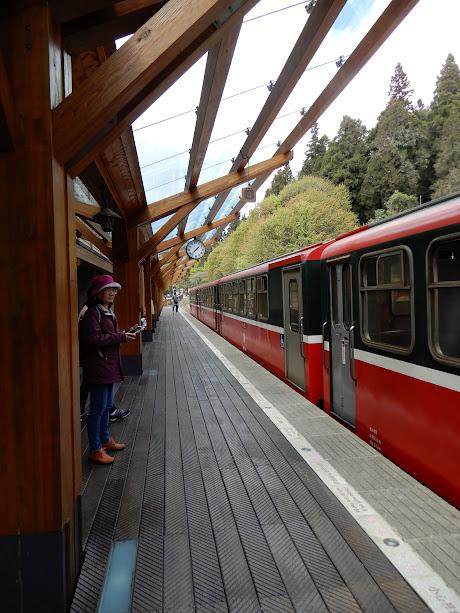 赤い登山列車