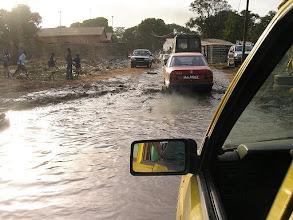 Photo: to też droga i to w stolicy Gambi