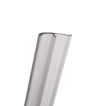 Joint d'étanchéité vertical extérieur pour porte de douche et pare-baignoire