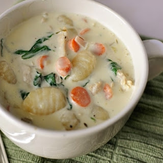 HEARTY CHICKEN GNOCCHI SOUP.
