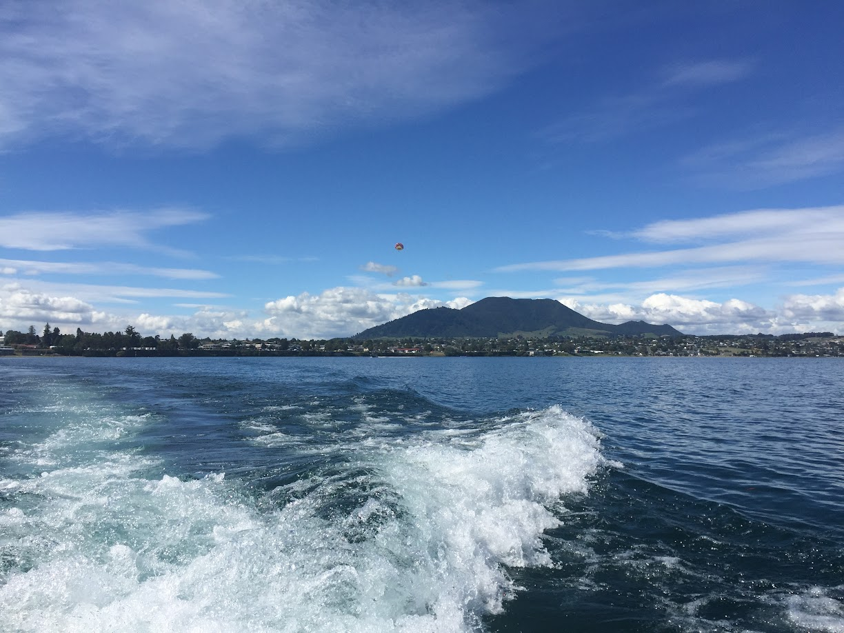 Lake Taupo - wanderlust bee