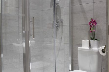 shard-view-serviced-apartments-monument-london-bathroom-33