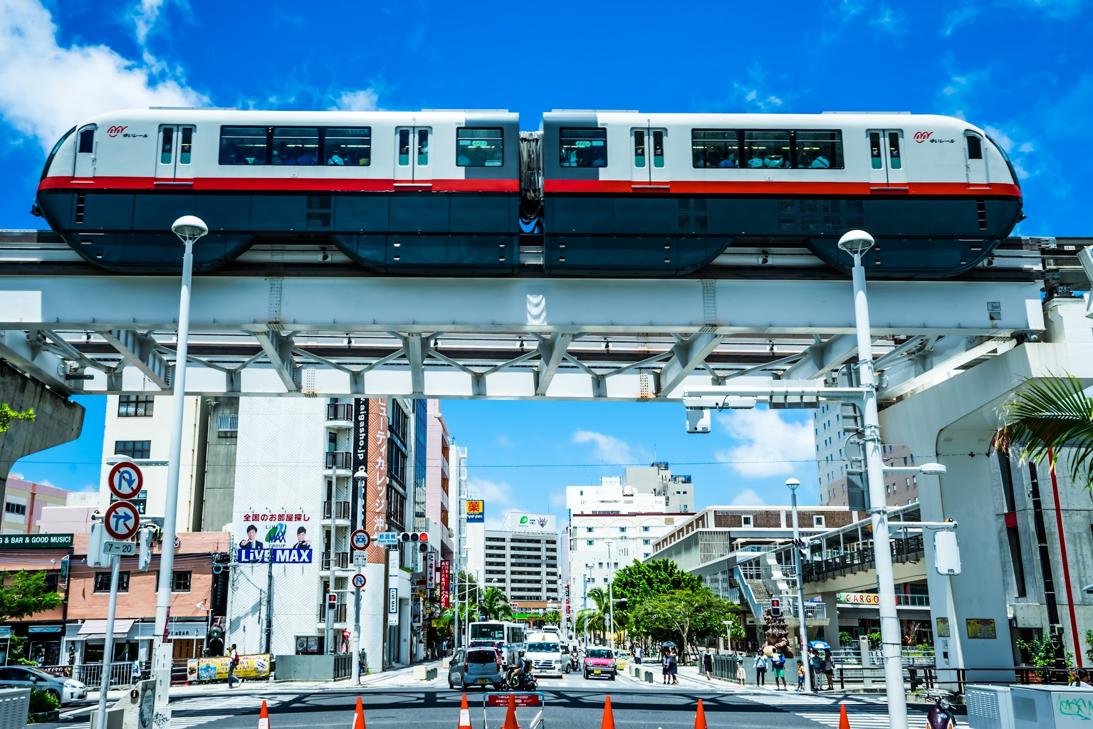 Okinawa Monorail1