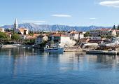 городок на острове Брач